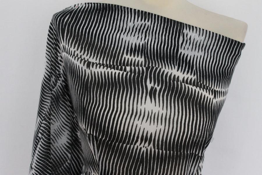 Metráž - šatovka batist bíločerná ZEBRA - látka na šaty a halenky ... b43f0189c48