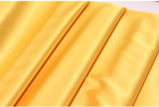Metráž - jednobarevný satén ŽLUTÝ Saten-N - látka na společenské šaty c20f1799b01